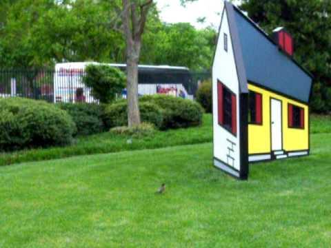 Roy Lichtenstein House I Optical Illusion - YouTube