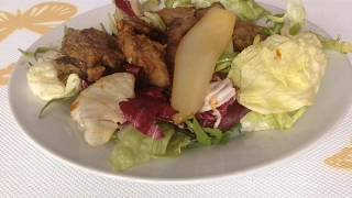 Салат из куриной печени и карамелизированной груши