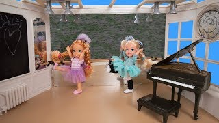 Elsa and Anna toddlers- the ballet contest!