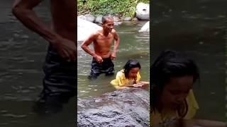 Download Video Celana Kakek - Kakek melorot saat mandi di sungai MP3 3GP MP4