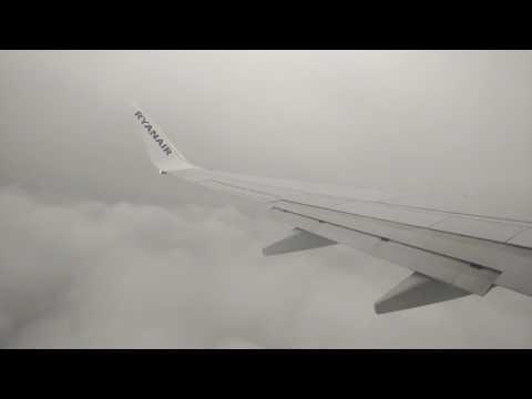 Descolagem do Aeroporto Francisco Sá Carneiro Ryanair Boeing 737-800
