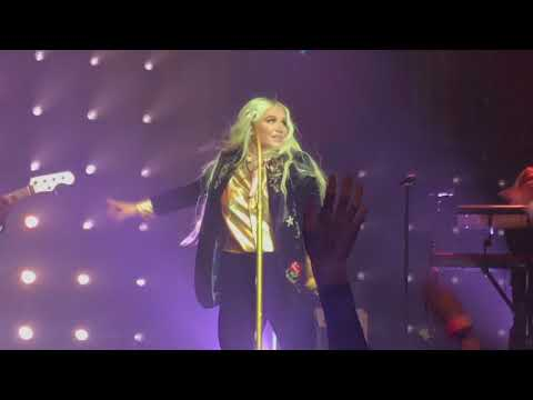 Kesha - Learn To Let Go @ House of Blues Boston