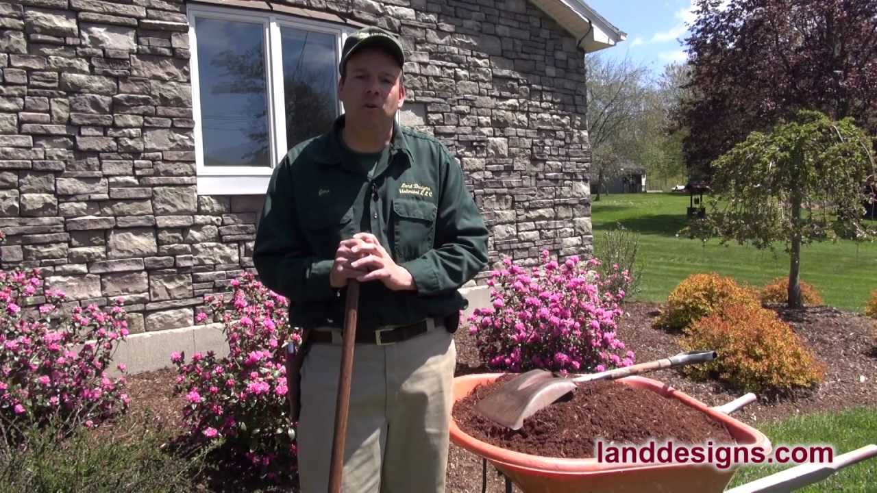 How To Mulch The Three Musts Of Mulching Youtube