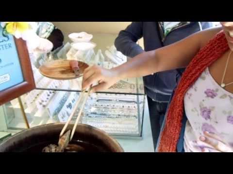 Extracción de una perla de la ostra
