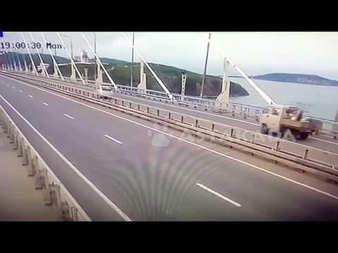 Владивосток ДТП 26 июня Русский мост Toyota Prius и Yamaha R1 Astakada