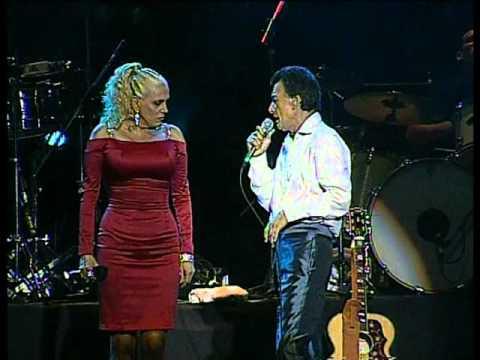 Palito Ortega y Valeria Lynch - Papeles (Luna Park 2011)