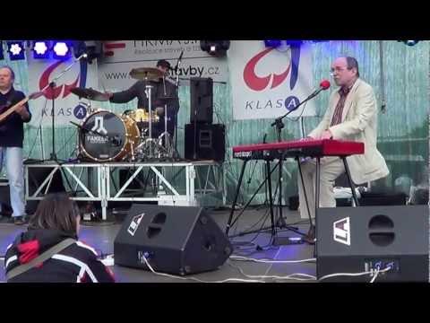 Není nutno (Jaroslav Uhlíř s kapelou)