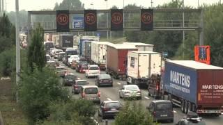 Drie vrachtwagens botsen op elkaar op Antwerpse ring