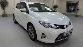 2014 Toyota Auris Hybrid In White For Sale In Cardiff