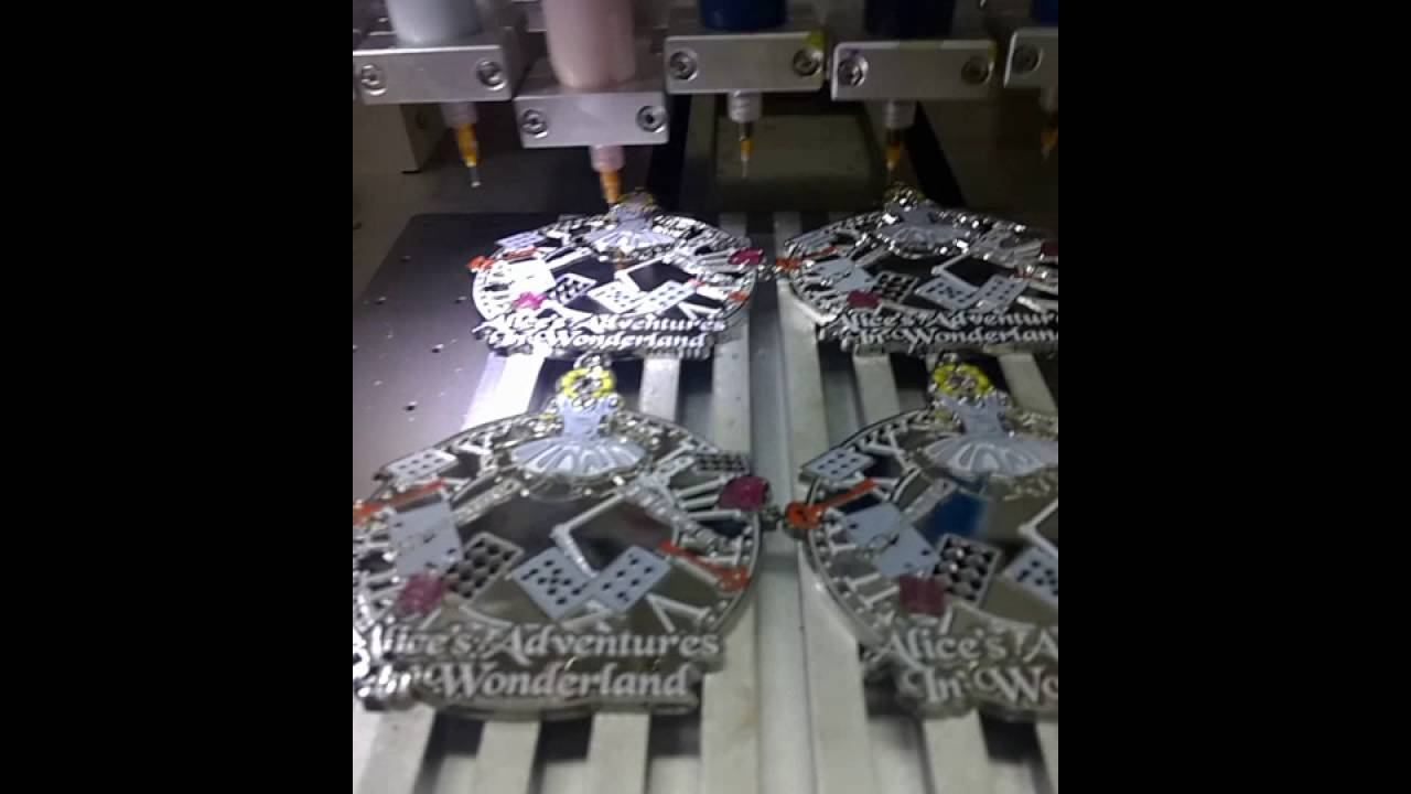 cold enamel dispensing machine for epoxy keychain   automatic coloring  lapel pins &keychain& medal