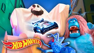 Can Chase and Elliot DEFEAT THE TOXIC ANIMALS?! 🐉 🦍   Hot Wheels City   @HotWheels