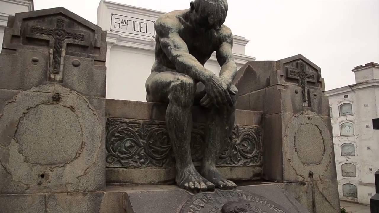 Recorrido al Museo Cementerio Presbitero Maestro - YouTube