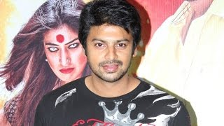 Raai Laxmi had put make up by herself in Sowcarpettai - Srikanth