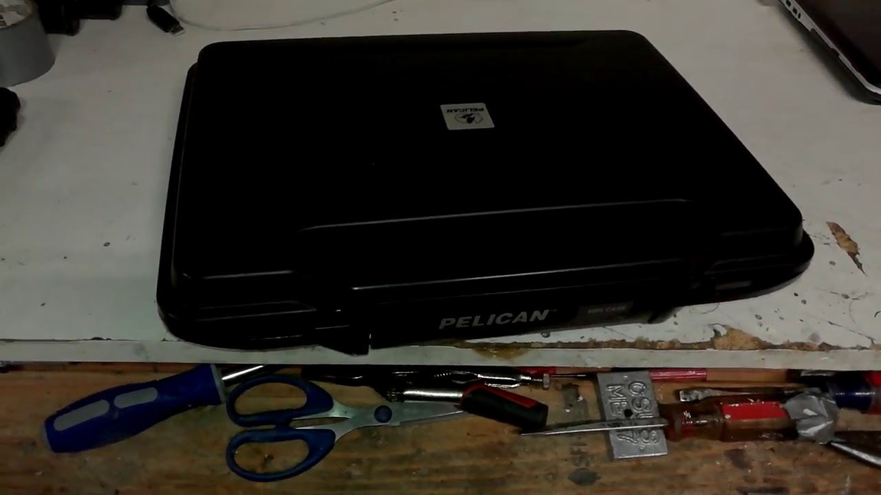 buy popular 3e747 ed5b3 Pelican 1085 Case Review with 13