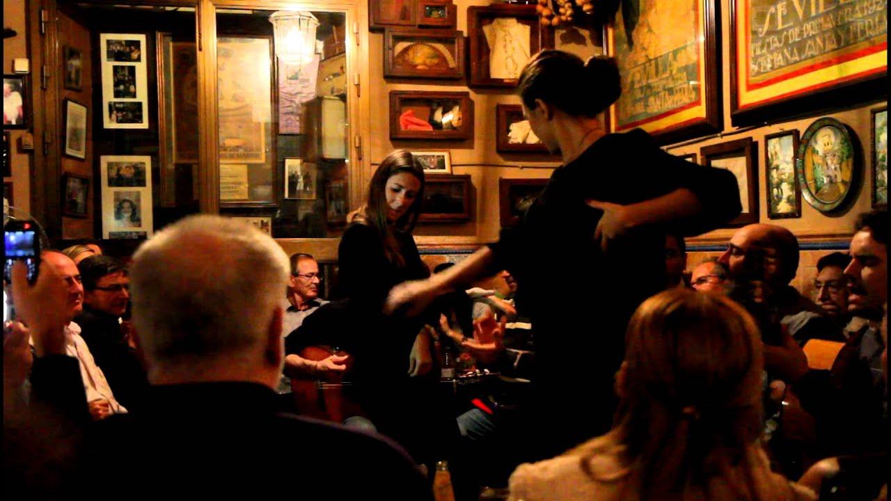 Baile de sevillanas at casa anselma youtube for Casas de sofas en sevilla