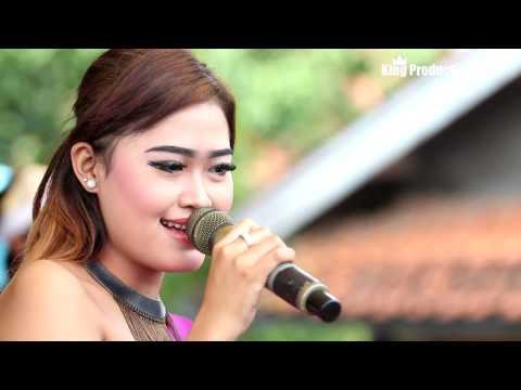 Mawar Di Tangan Melati Di Pelukan -  Laura Farere - Desy Paraswaty Live Wanasaba Karangsambung