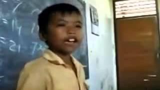 Download Video Video kocak Nyanyi anak kecil nyanyi garuda pancasila MP3 3GP MP4