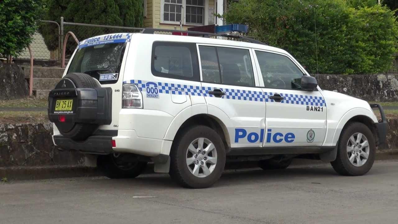 police 4x4 mitsubishi pajero australia youtube. Black Bedroom Furniture Sets. Home Design Ideas