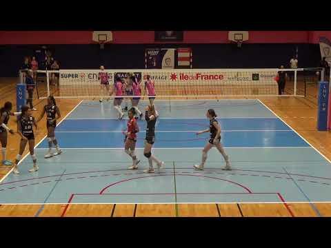 Paris vs Chamalières, setter pink shirt
