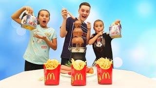 Обычная Еда против Мармелада - Челлендж! Gummy Food vs Real Food - Chocolate Fountain Challenge!