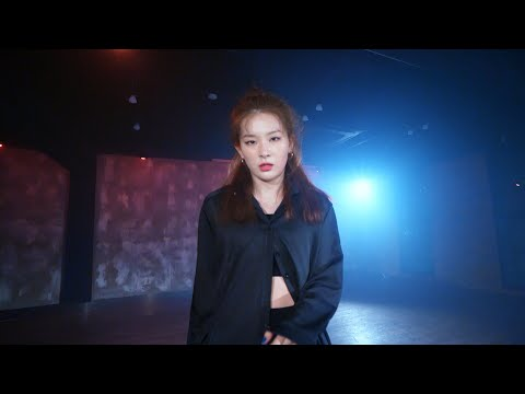 """SEULGI Solo """"Uncover (Sung by SEULGI)"""" Choreography Video"""