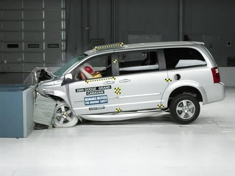 2010 Dodge Grand Caravan >> 2008 Dodge Grand Caravan moderate overlap IIHS crash test ...