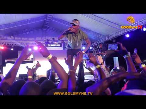 VIDEO: Wizkid's Performance At Jimmys Jump Off 2015