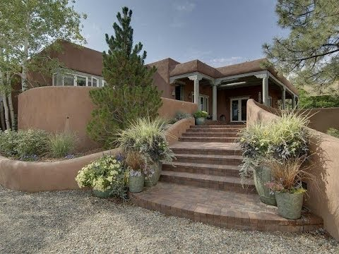 Exquisite Home Offering Exclusive Privacy in Santa Fe, New Mexico