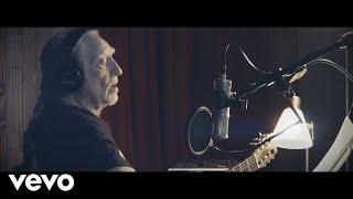 Willie Nelson - Ride Me Back Home (Official Music Video)