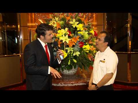 Keith Maynard Interviews Chief Florist Mikey, QM2 | Planet Cruise