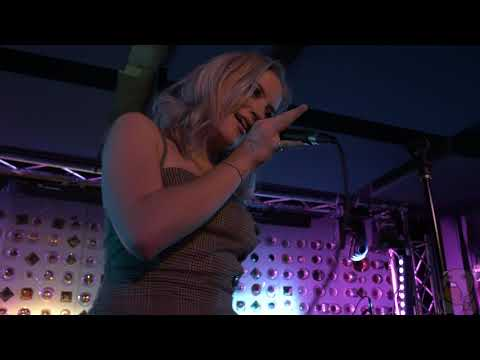 Chloe Lilac - Manic Pixie Dream [4K] (live @ Baby's All Right 1/29/19) Mp3
