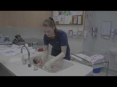 Westmead Hospital, Woman and Newborns baby bathing demonstration