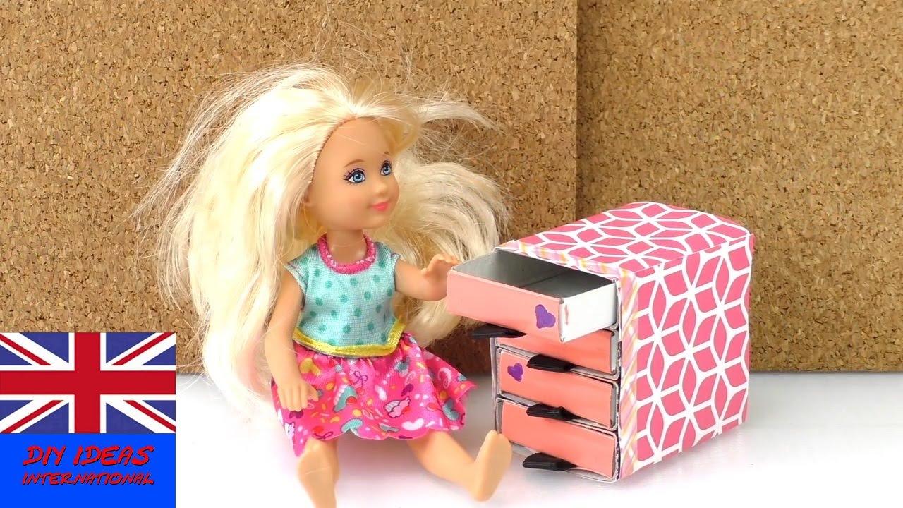 How to make a doll drawer diy chest of drawers for doll for Accessori per la casa fai da te