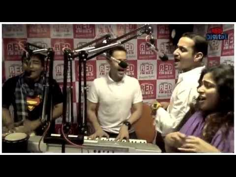 Baby Doll & Pinky hai paise walon ki unplugged by Meet Brothers for RJ Malishka at Red FM Studio