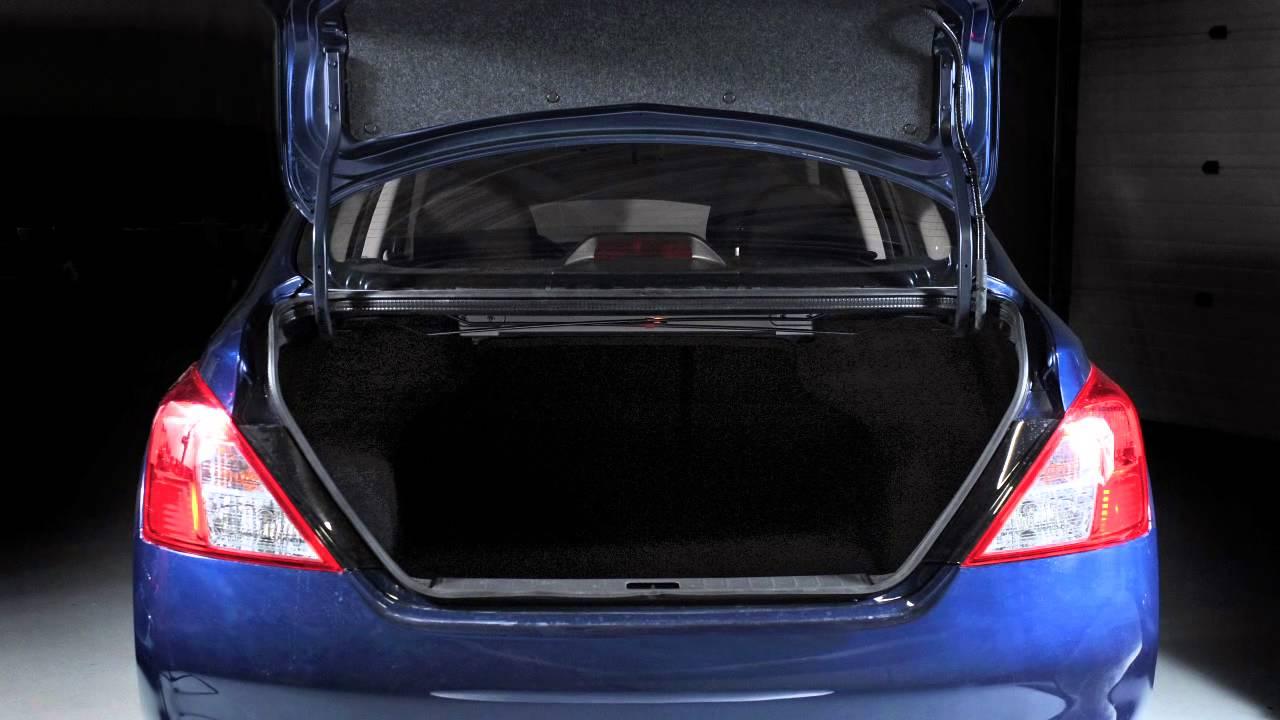 2013 nissan versa sedan folding down the rear seats youtube 2013 nissan versa sedan folding down the rear seats vanachro Image collections