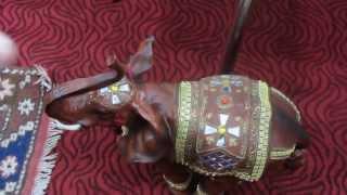 КАК ТУРКИ РУССКИХ ТУРИСТОВ РАЗВОДЯТ!(Отдыхали в Турции.Зашли с друзьями в магазин за сувенирами.Случайно задели ногой слона,стоящего почему-то..., 2013-06-06T15:02:08.000Z)