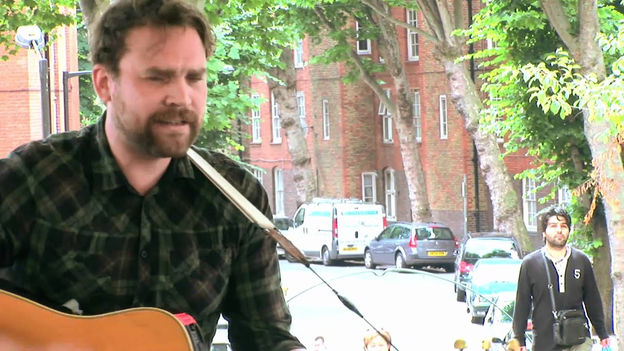 frightened-rabbit-footshooter-bandstand-busking