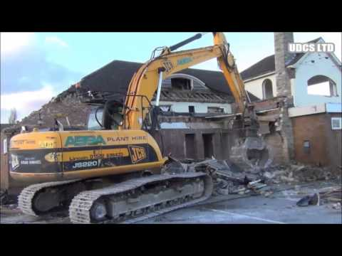 UDCS LTD - Demolition of The Wildlife Pub, Birchwood, Lincoln. (Feb 2013)