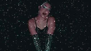 Смотреть клип Ginette Claudette - Mind