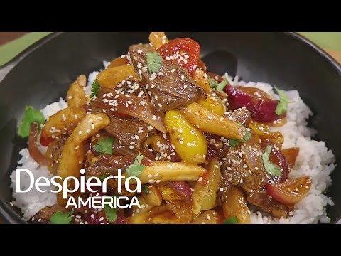 Receta de lomo saltado de la chef Lorena García   Cocineros Latinos thumbnail