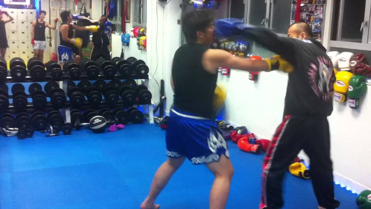 1A Fitness 泰拳 Sparring 練習 - YouTube
