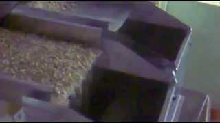 Фасовка упаковка кошачьего наполнителя Упаковочный автомат