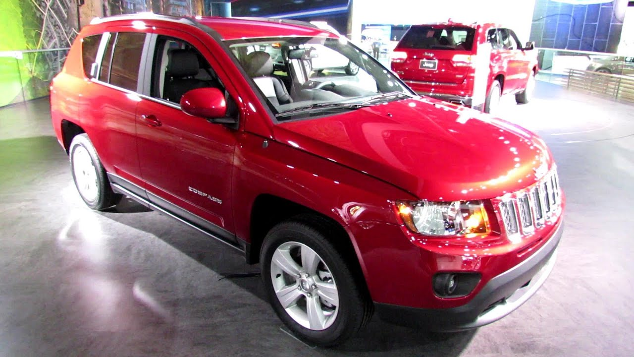 2014 jeep compass latitude exterior and interior walkaround 2013 detroit auto show youtube. Black Bedroom Furniture Sets. Home Design Ideas