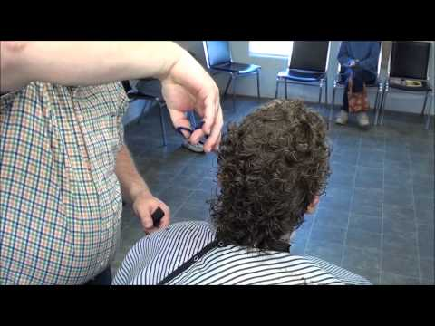 BASIC WOMANS HAIR CUT BARBER STYLE !!