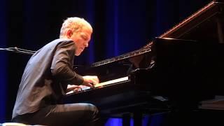Chris Thile & Brad Mehldau - Independence Day (Instrumental) - Live In Paris 2017