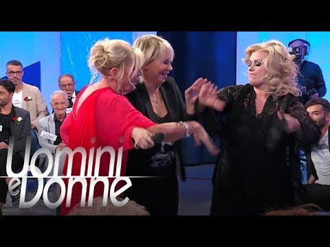Uomini e Donne, Trono Over - Tina Vs. Gemma: acceso confronto in studio