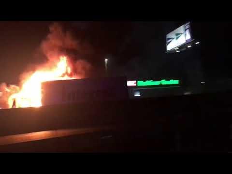 Arde un camión en medio de la autovía A-67