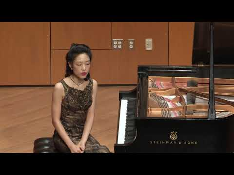 Lisa Yui plays Schumann and Liszt