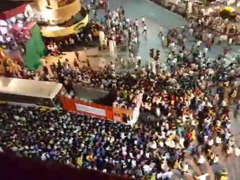 TOP VIEW : PEOPLE CROWD & GANPATI VISARJAN...