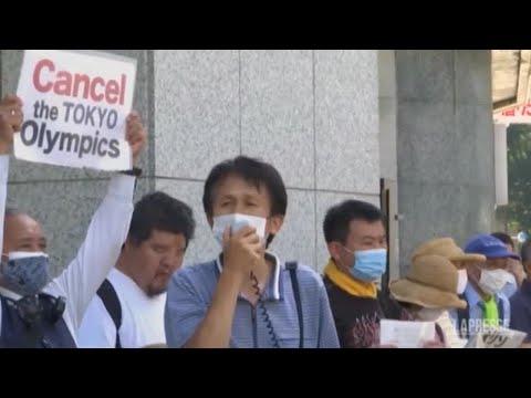 Giappone: a Tokyo manifestazione contro le Olimpiadi, tafferugli con la polizia